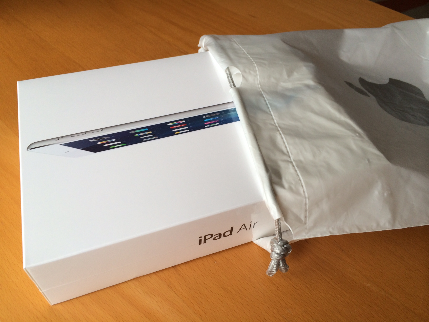 Biz de bir iPad Air aldık!