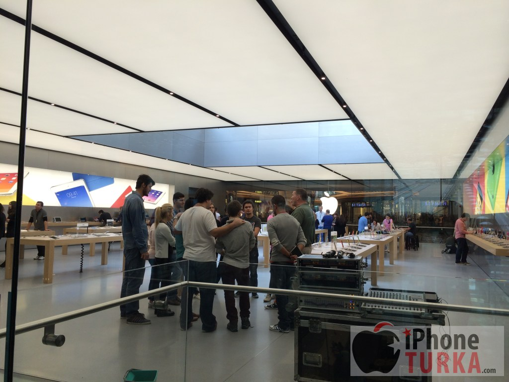 apple-store-istanbul-11